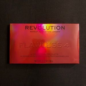 Revolution eyeshadow palette